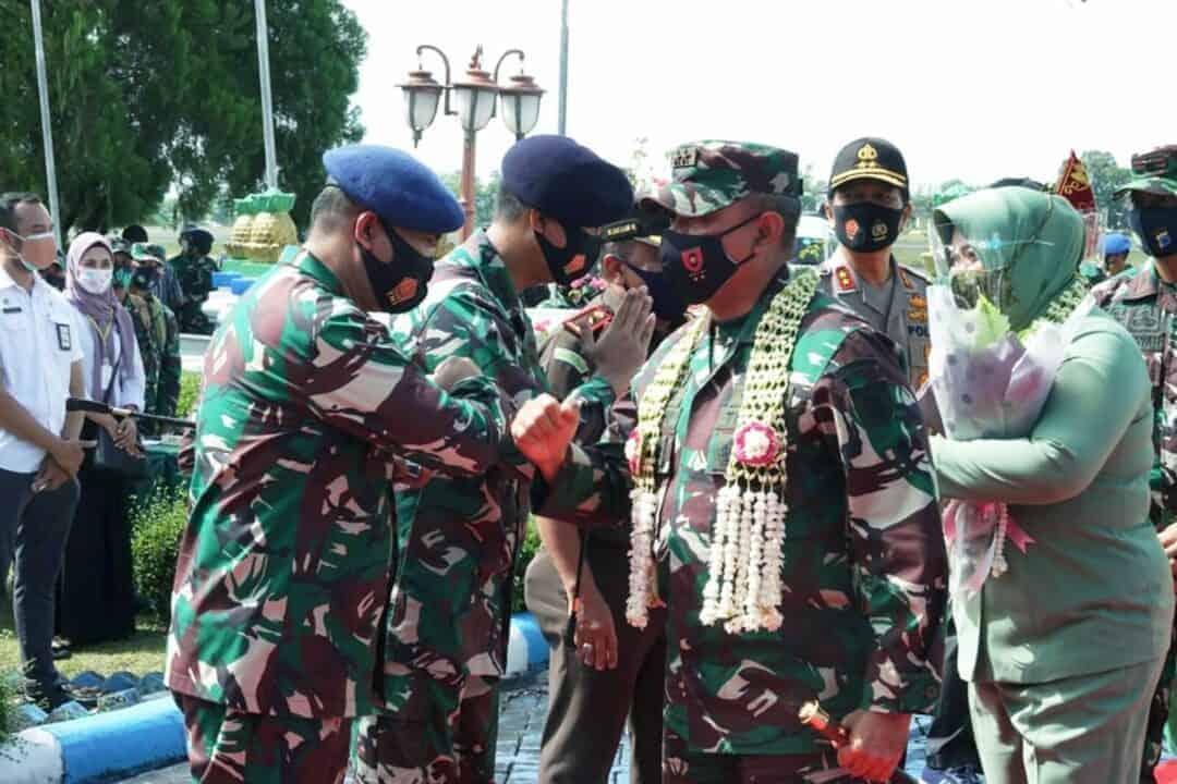 Komandan Lanud Sjamsudin Noor Sambut Pangdam VI Mulawarman