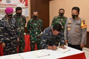 Danlanud RHF Hadiri dan Tandatangani Perjanjian Kerjasama Pengamanan Pilkada Serentak Tahun 2020 Wilayah Kepulauan Riau