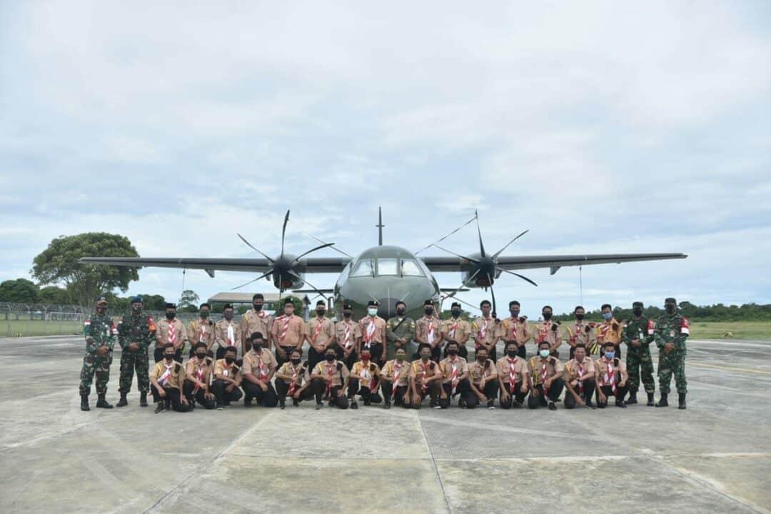 Misi Latihan Operasi Udara Jalak Sakti Berakhir Pesawat CN 295 Diserbu Siswa Dari Almujadid.