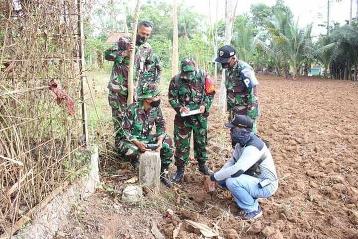 Prajurit Lanud J.B. Soedirman Laksanakan Operasi Patok Tapal Batas Wilayah