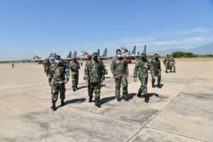 4 Pesawat Tempur Sukhoi Skadron Udara 11 Tiba di Lanud Iswahjudi.