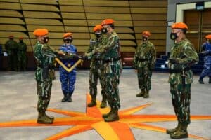 Tiga Prajurit Yonko 462 Paskhas Terima Penghargaan dari Kepala Staf Angkatan Udara