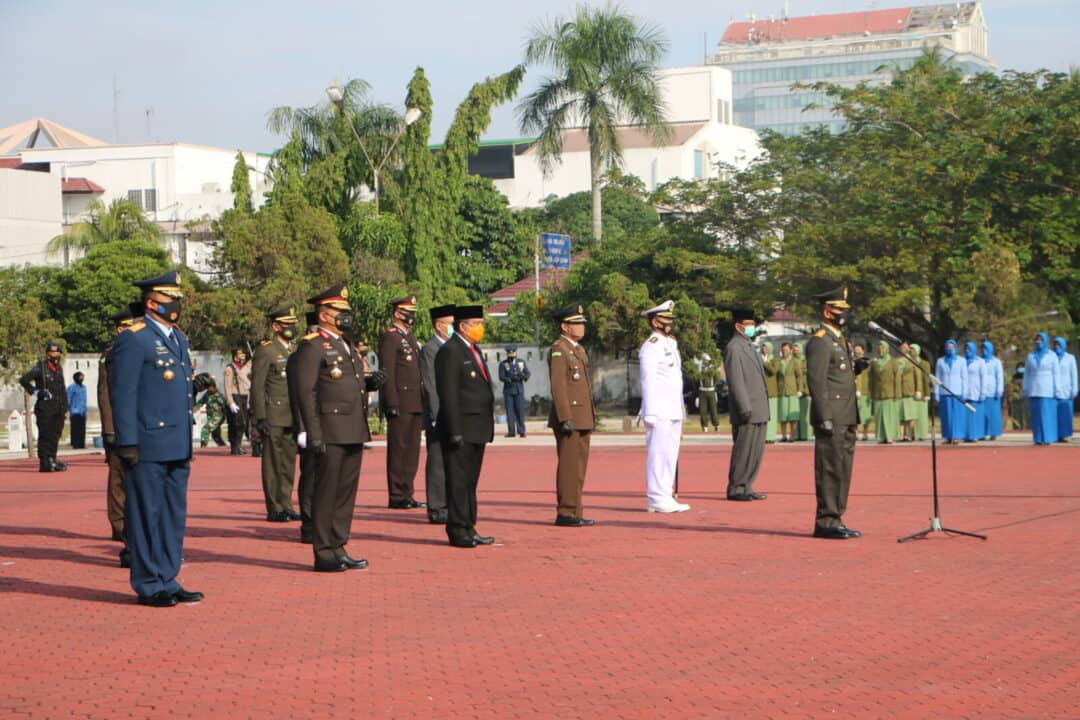 Komandan Lanud Rsn Hadiri Upacara Ziarah Nasional HUT Ke-75 TNI