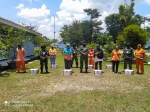 Peringati HUT Ke-75 TNI, Babinpotdirga Distribusi Bantuan Sosial