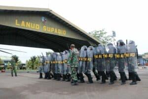 Tingkatkan Profesional, Prajurit Lanud Supadio Latihan Kamhanlan dan PHH