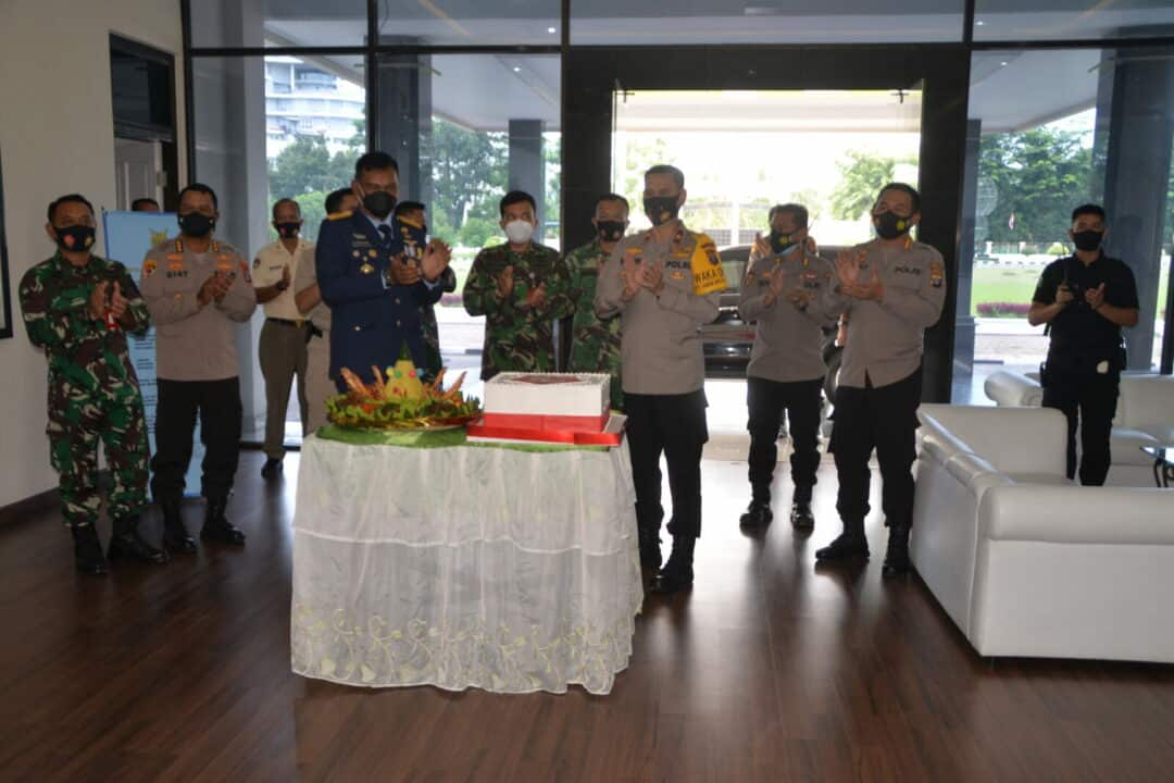 Pangkosekhanudnas III Mendapat Kejutan Ucapan Selamat HUT Ke-75 TNI