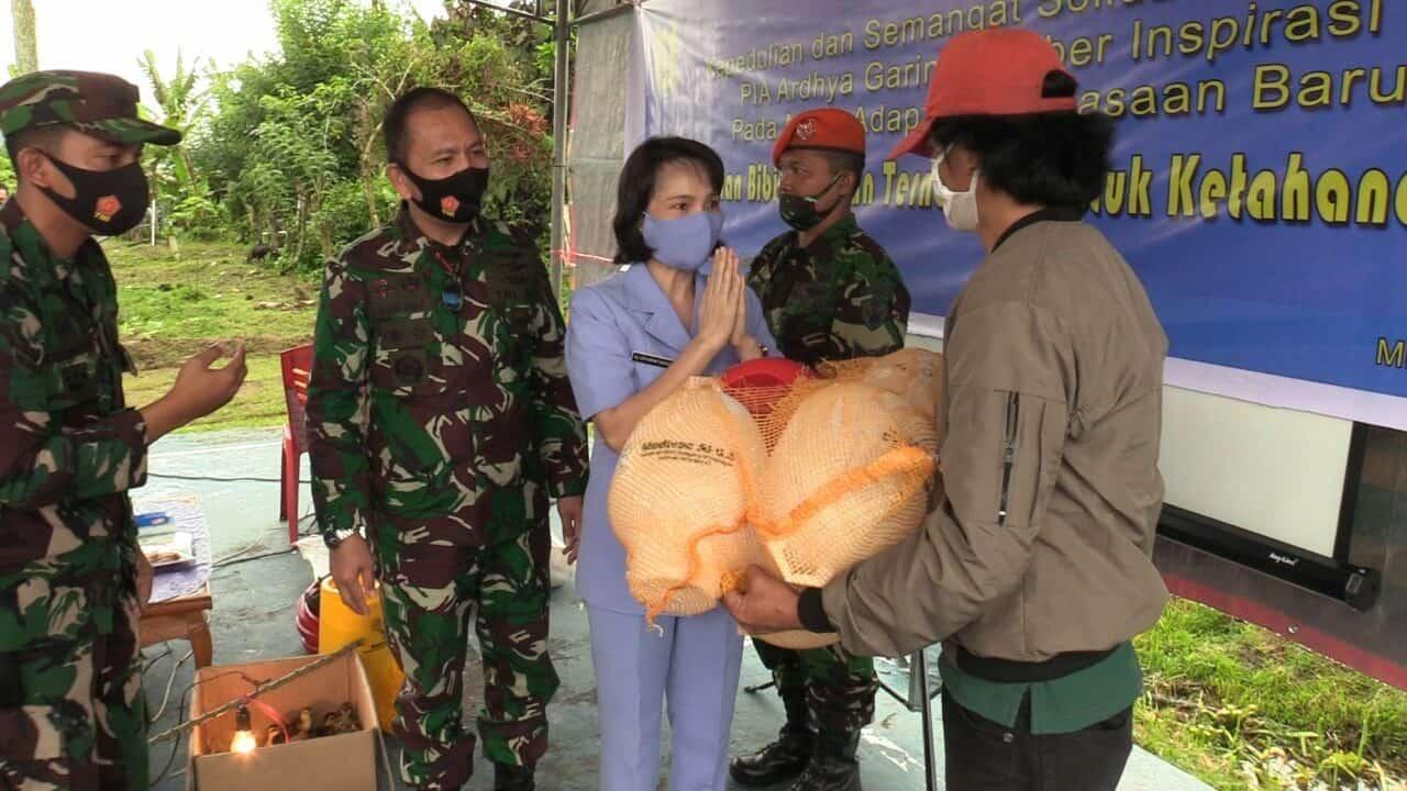 *Pangkalan TNI Angkatan Udara Sam Ratulangi adakan Bakti Sosial HUT TNI*