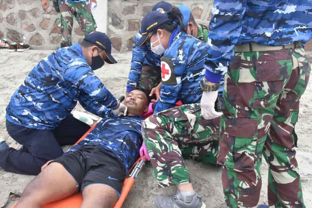Team SAR Lanud Mus Evakuasi Korban Di Pesisir Pantai Barat Pulau Sabang