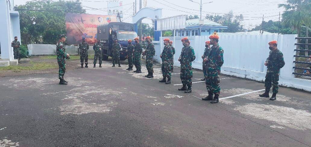 *Komandan Pangkalan TNI Angkatan Udara Sam Ratulangi Terima Regu Satgas Pam Aset AU*