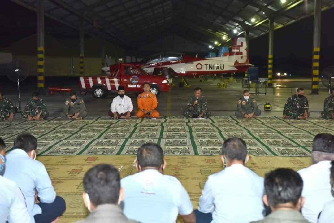Latihan Terbang Malam Siswa Instruktur Penerbang Angkatan 83 dan 84 resmi ditutup