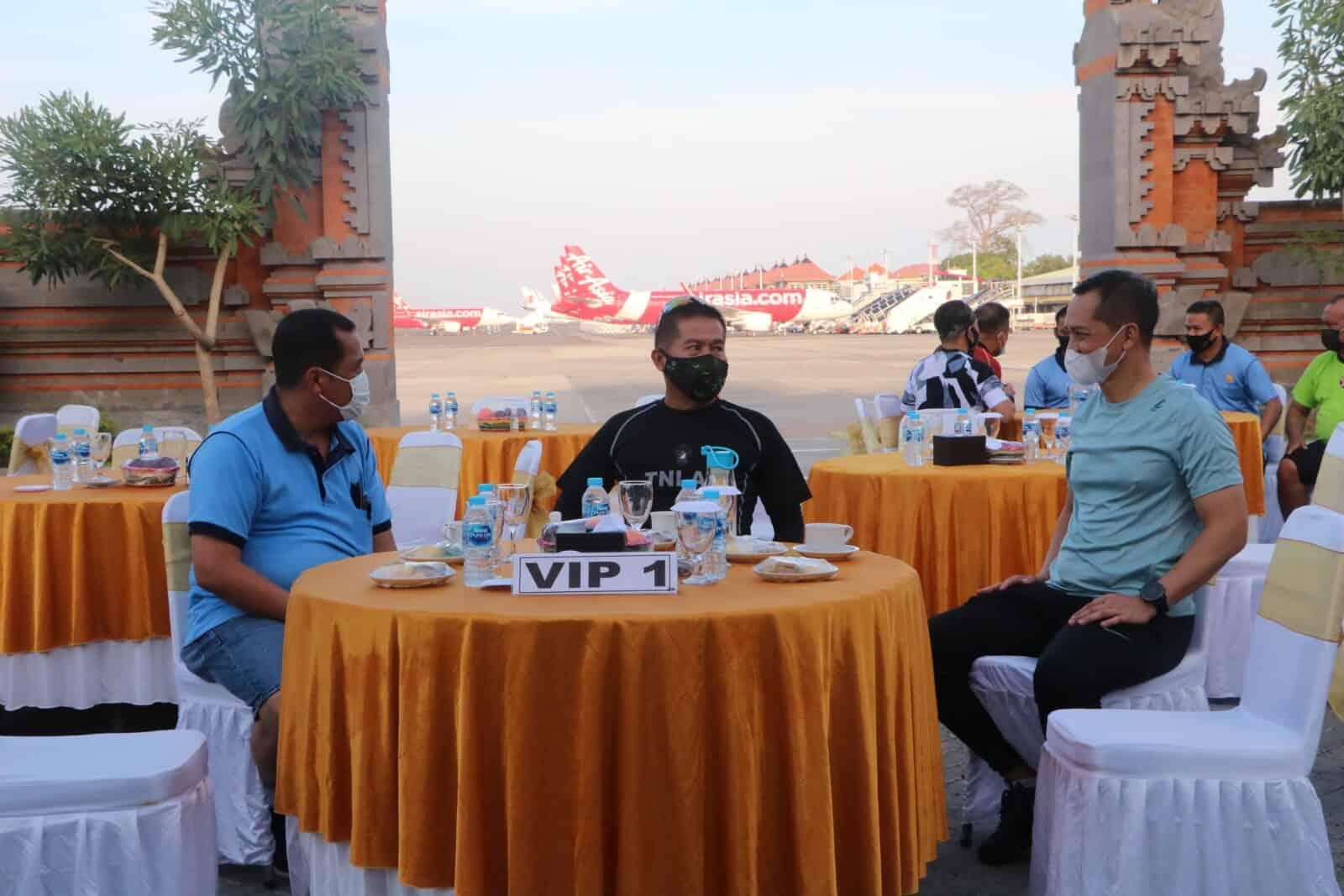 Sinergitas TNI,Polri, dan Komunitas Bandara di Lanud I Gusti Ngurah