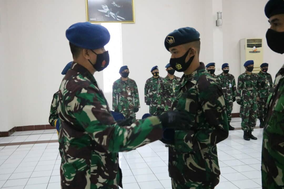 Serda Erlangga Hildanianto Lulusan Terbaik Sejurba Jurkom A-18 Skadik 202 Lanud Sulaiman