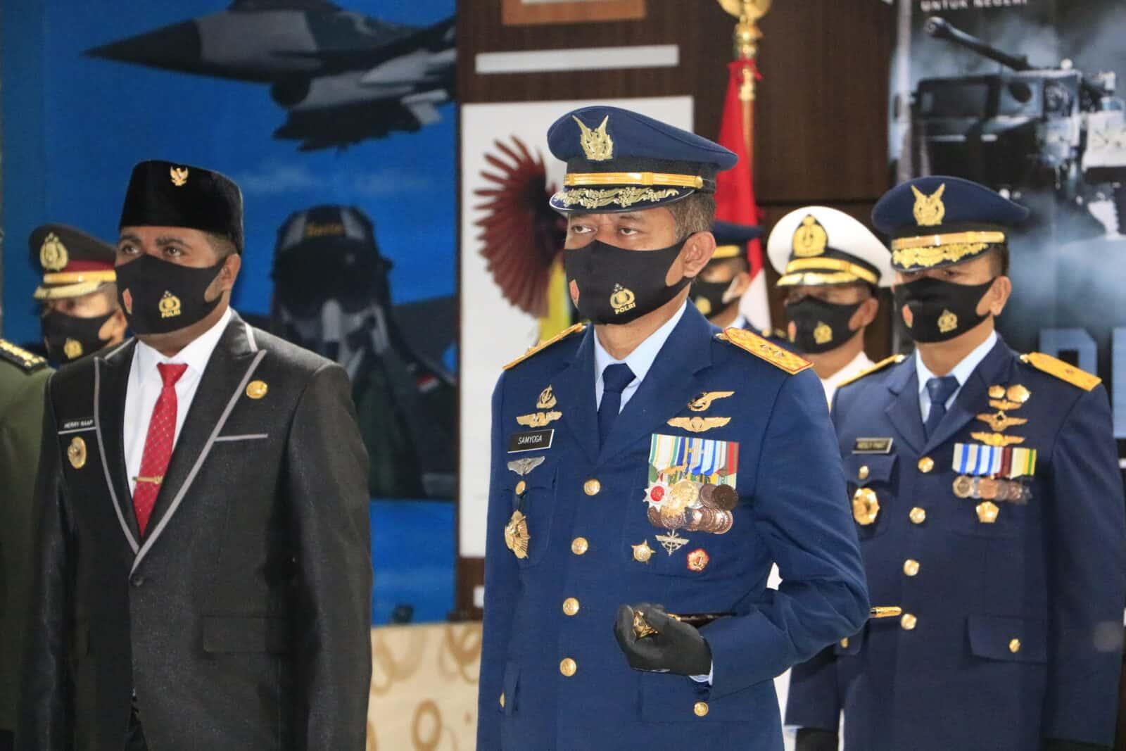 Pangkoopsau III Bersama Forkompimda Kabupaten Biak Numfor Mengikuti Upacara HUT TNI 75 Secara Virtual.