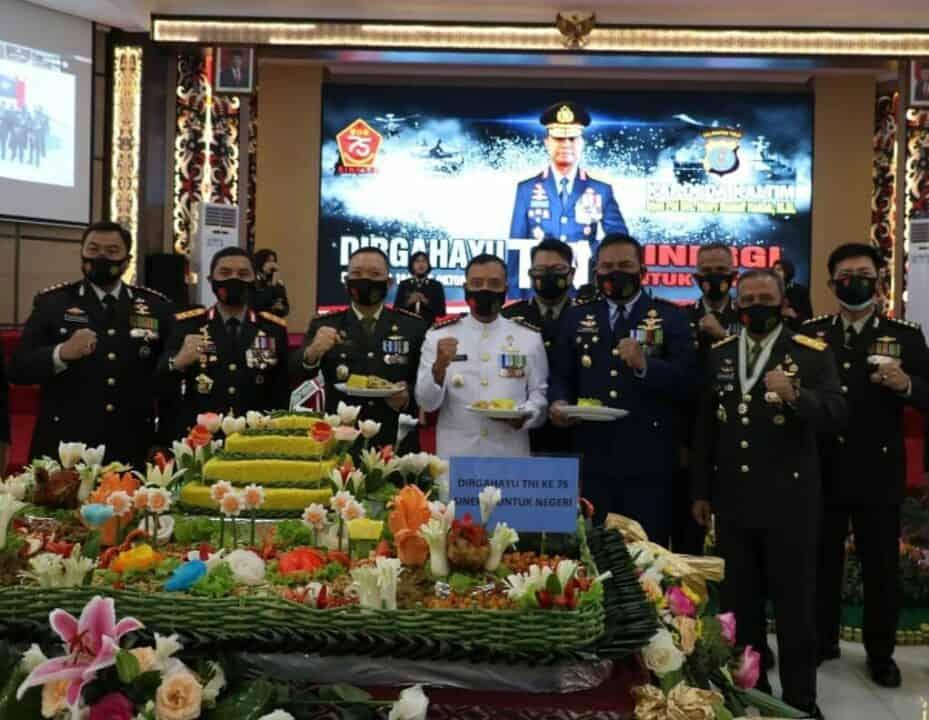 Danlanud Dhomber Hadiri Upacara Peringatan HUT Ke-75 TNI