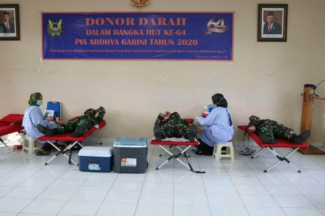 Peringati HUT ke-64 PIA Ardhya Garini, Lanud Sugiri Sukani Bersinergi dengan PMI Majalengka Gelar Donor Darah
