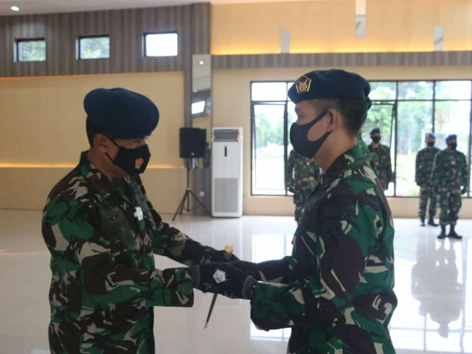Komandan Lanud H. AS Hanandjoeddin Diserahterimakan