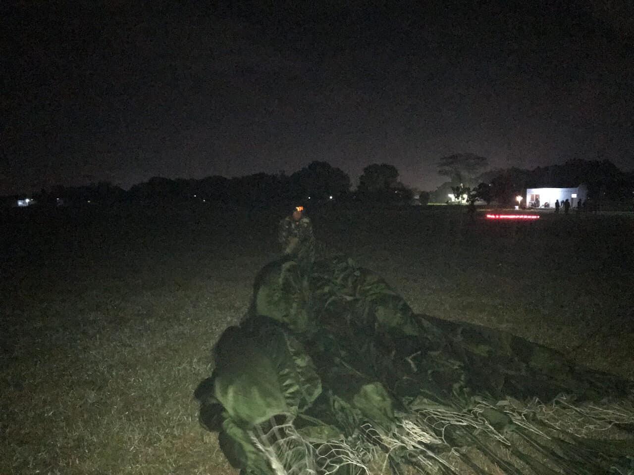 Praktek Terjun Malam Siswa Susparadas A-189 Di Lanud Sulaiman