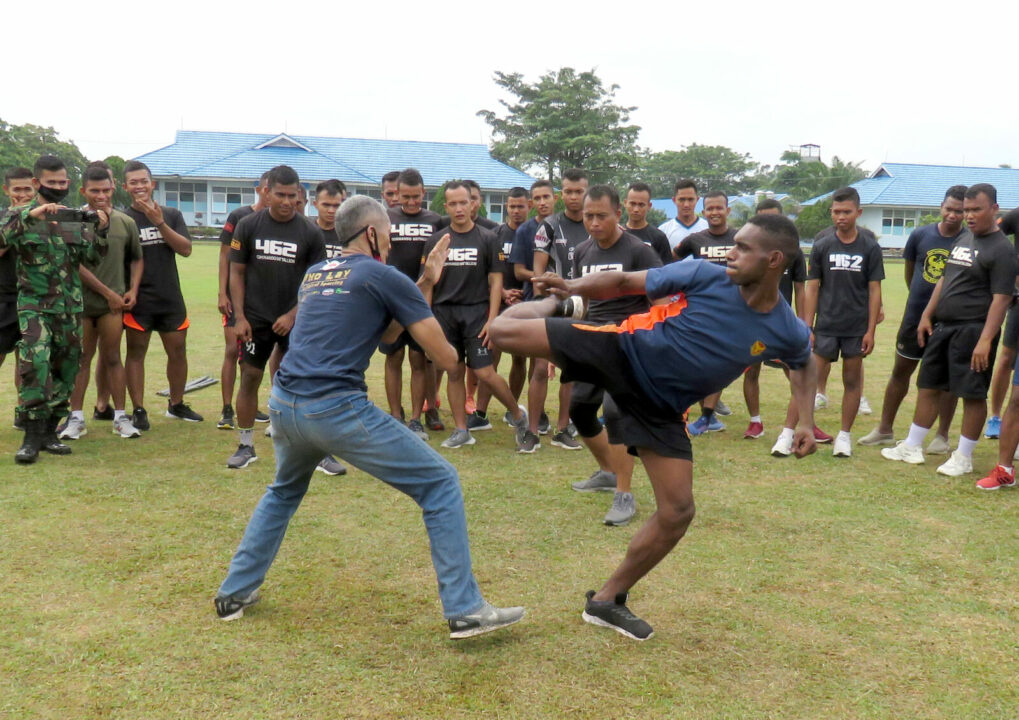 Pengenalan Seni Beladiri Muay Thai di Yonko 462 Paskhas