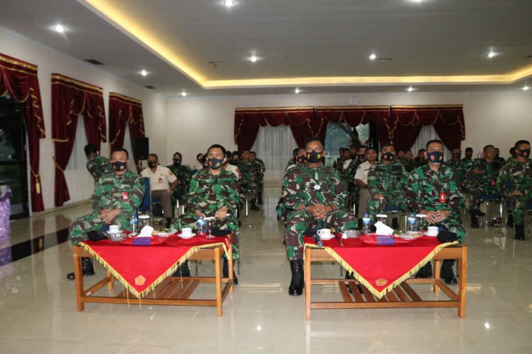 "Pangkosekhanudnas III Tonton Live ''30 Menit Bersama Panglima TNI"""