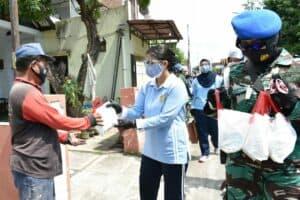 Jelang Ulang Tahun ke-64, PIA Ardhya Garini bagikan masker untuk masyarakat