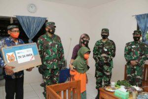 Kasau Serahkan Sejumlah Bantuan Kepada Masyarakat Kabupaten Magetan
