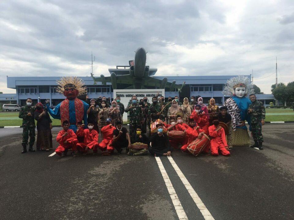 Diiringi Ondel-Ondel, Tradisi Pelepasan Purna Tugas Anggota Makoopsau I
