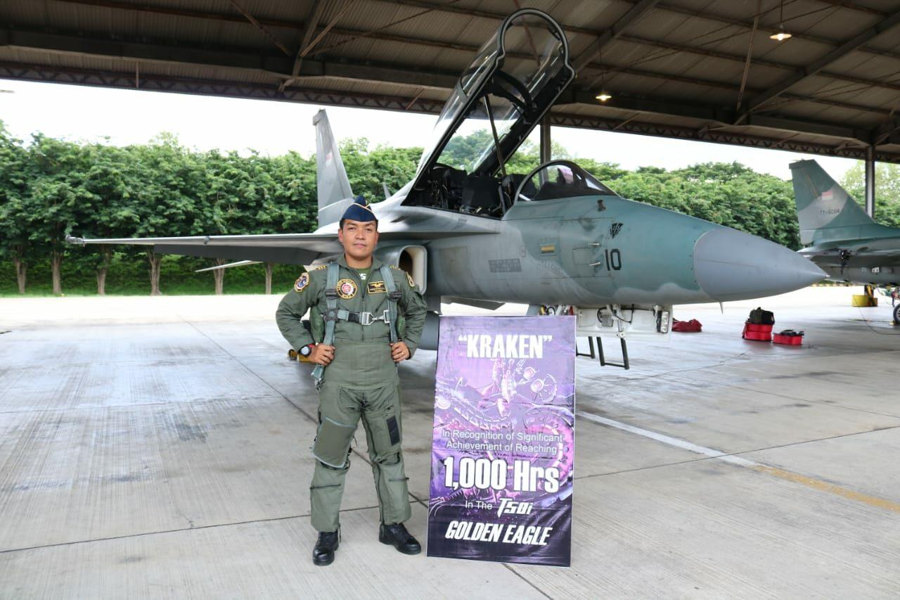 """Kapten Pnb Christiyanto """"Kraken"""" Dwi Utomo Torehkan 1000 Jam Terbang"""