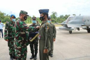 Danlanud Rsn Apresiasi, Lettu Pnb Fero Ahmando Raih 1000 Jam Terbang