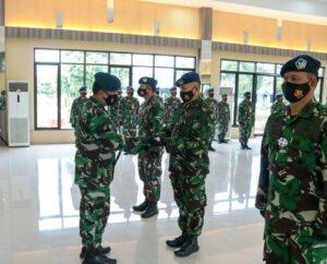 Tongkat Jabatan Danlanud Sutan Sjahrir dan Danlanud Hang Nadim diserahterimakan