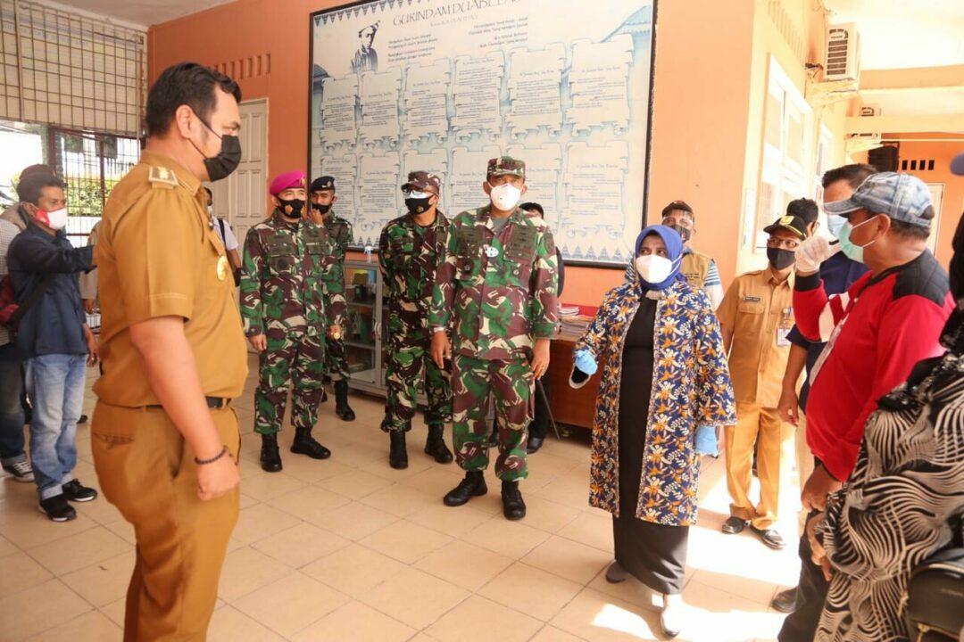 Danlanud RHF Bersama FKPD Meninjau Pelaksanaan Pemilukada di Tanjungpinang