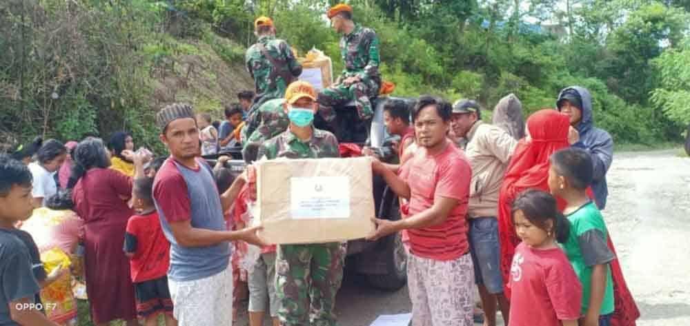 Bansos PIA Ardhya Garini Cabang 3/G. IV Wing II Paskhas Diterima di Pengungsian Mamuju