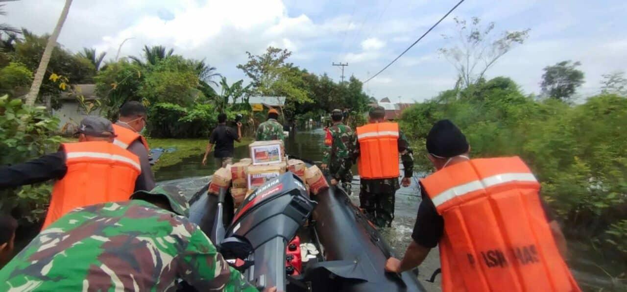 Perbantuan Kemanusian oleh Prajurit Paskhas di Wilayah Kalimantan Selatan