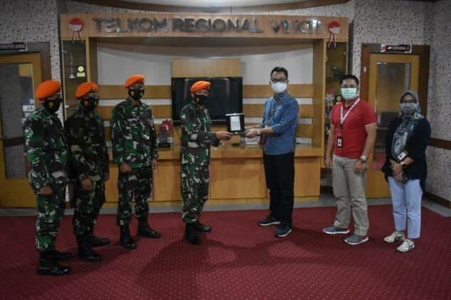 Kunjungan Komandan Detasemen Hanud 472 Paskhas ke Kantor Telkom Regional VII Makassar