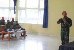 Prajurit Denmatra 2 Paskhas Mengikuti Ceramah Intel, Lambangja Dan Kesehatan