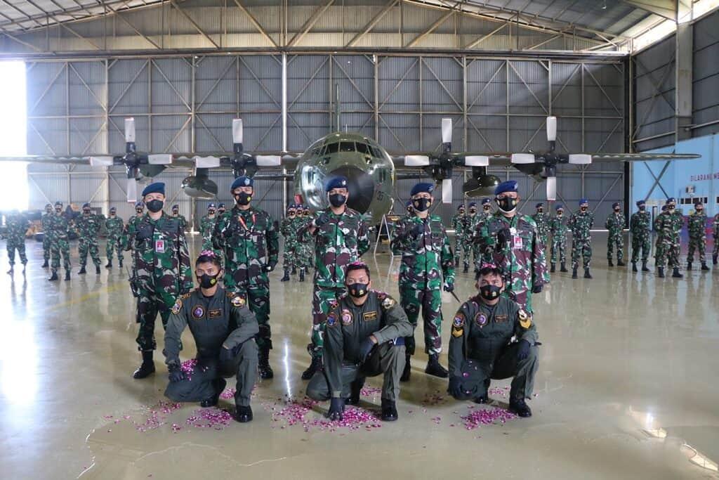 Tradisi Kenaikan Kualifikasi Air Crew Skadron Udara 32 Lanud Abd Saleh