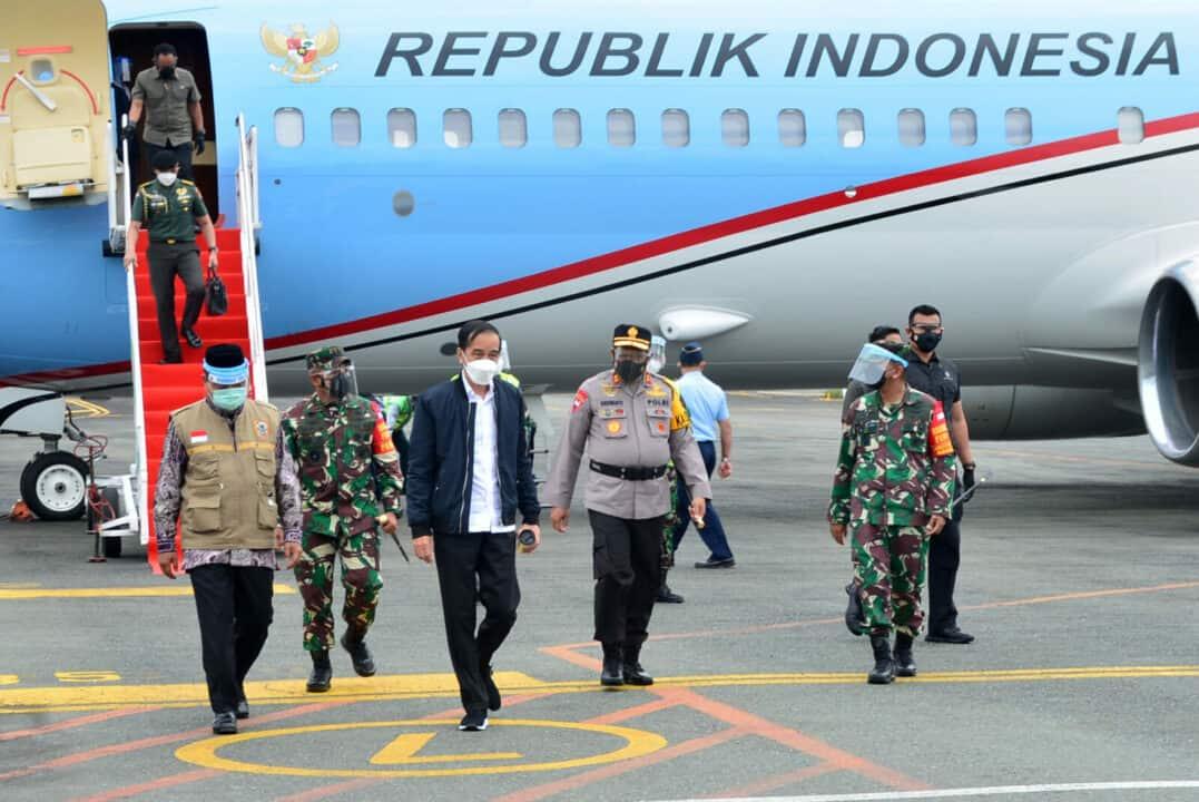 Presiden RI Ir. H. Joko Widodo Tiba di Kalimantan Selatan Dengan Disambut Forkopimda Langsung Meninjau Lokasi Banjir serta Penampungan Pengungsi
