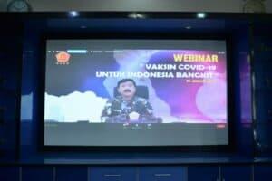 Danlanud Sultan Hasanuddin Ikuti Webinar Vaksin Covid-19 Untuk Indonesia Bangkit Secara Virtual
