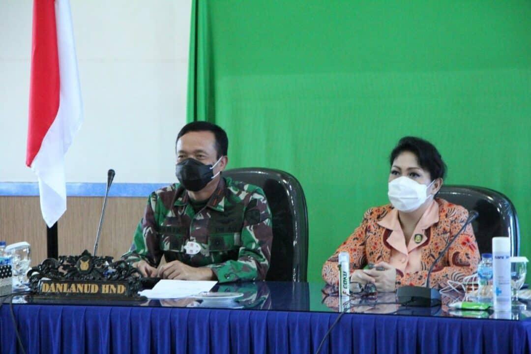 Danlanud dan Ketua Yasarini Cabang Lanud Sultan Hasanuddin Ikuti Penutupan FESA IV 2020