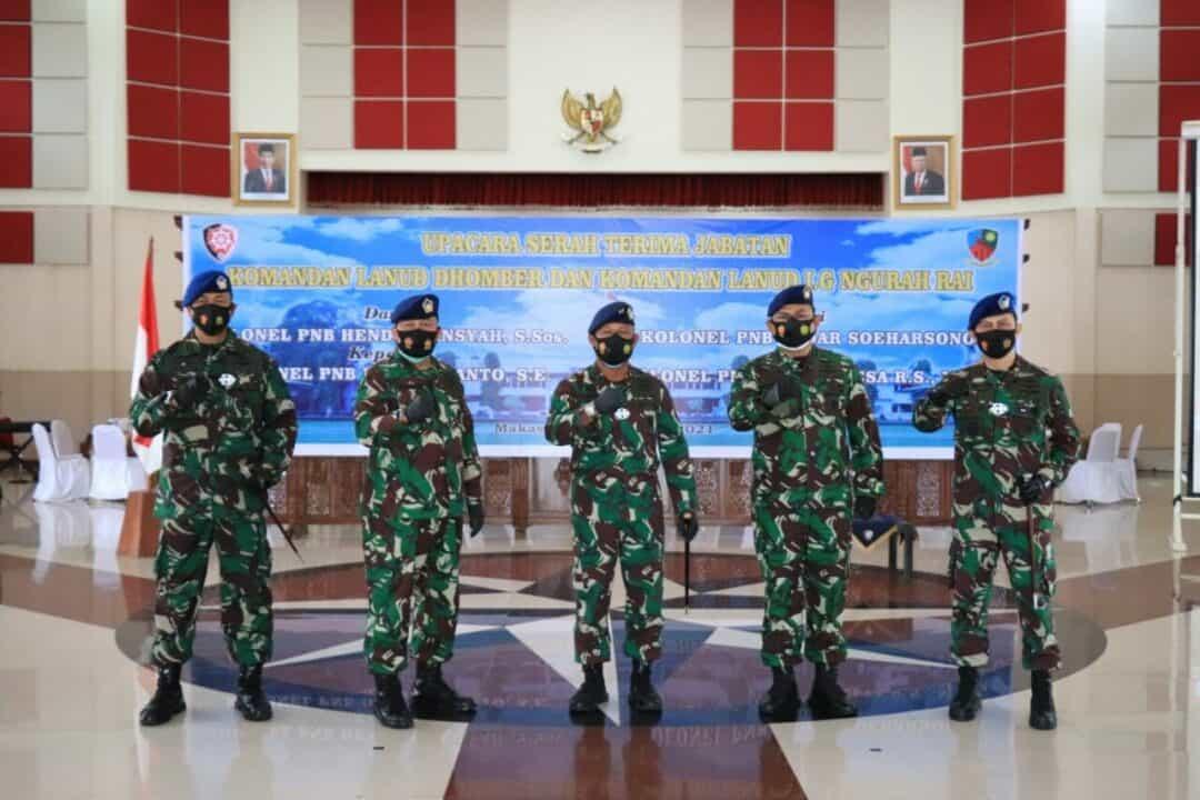PANGKOOPSAU II MEMIMPIN UPACARA SERAH TERIMA JABATAN DANLANUD I GUSTI NGURAH RAI DAN DHOMBER