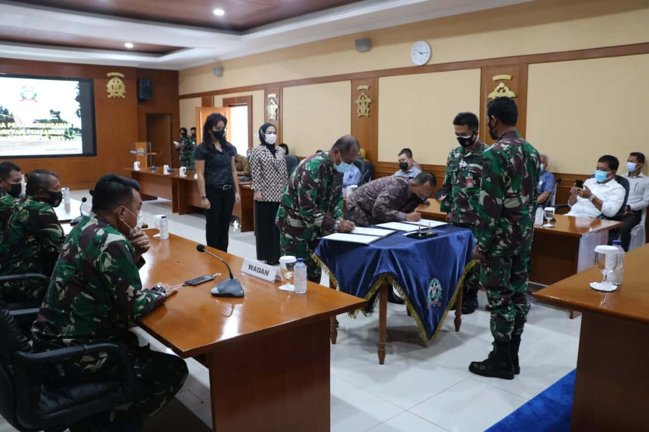 Komandan Koharmatau Pimpin Penandatanganan Bersama Kontrak Pengadaan Barang dan jasa di Koharmatau TA 2021