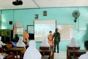 Komandan Lanud Iskandar Didampingi Ketua Yasarini Cabang Lanud Iskandar Sosialisasikan PPDB SMA Pradita Dirgantara