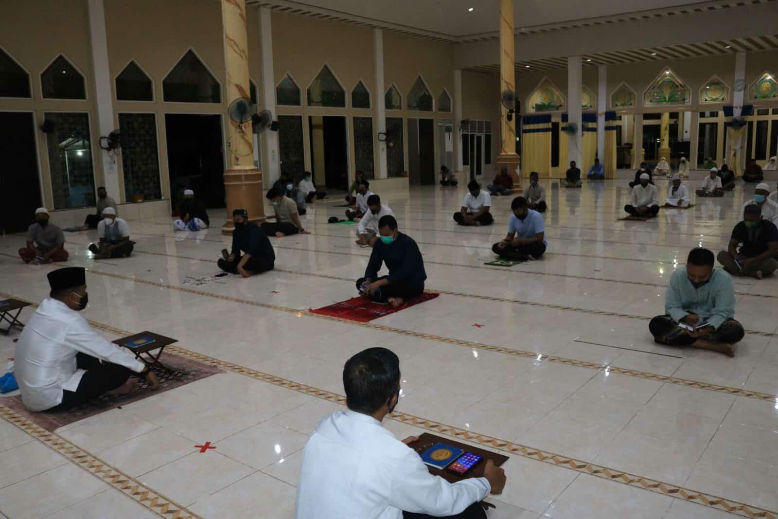 Dengan Tetap Perhatikan Protokol Kesehatan Covid-19 Lanud Sjamsudin Noor Laksanakan Doa Bersama Akhir Tahun 2020 dan Menyambut Tahun Baru 2021 Secara Hikmat