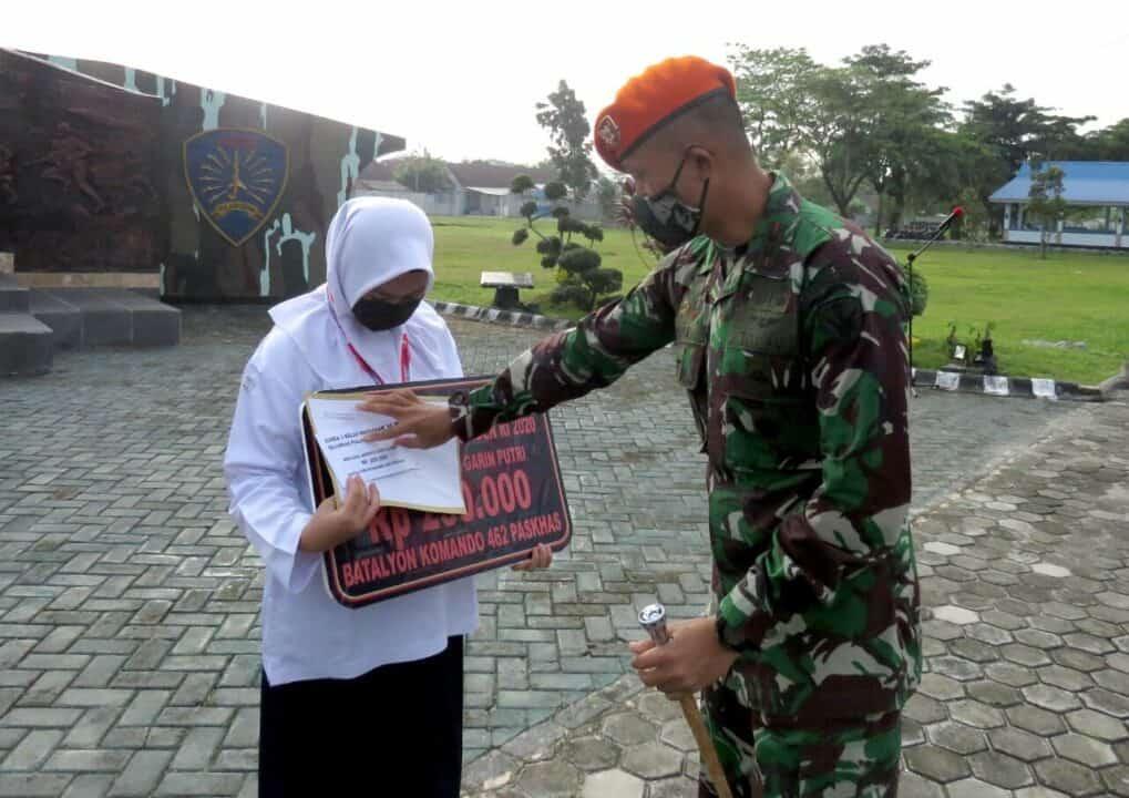 Danyonko 462 Paskhas Berikan Penghargaan Kepada Prajurit Dan Putra -Putri Prajurit Yang Berprestasi