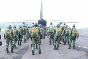 Terjun Penyegaran Batalyon 463 Paskhas di Lanud Iswahjudi