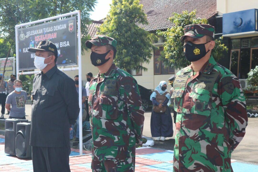 Komandan Lanud Sugiri Sukani Mengikuti Apel Kesiapan Pengamanan Malam Tahun Baru 2021 di Lapangan Apel Mapolres Majalengka