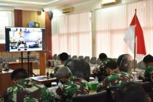 Danlanud Adisutjipto beserta staf ikuti Apel khusus Tahun Baru 2021 dengan Kasau secara daring.
