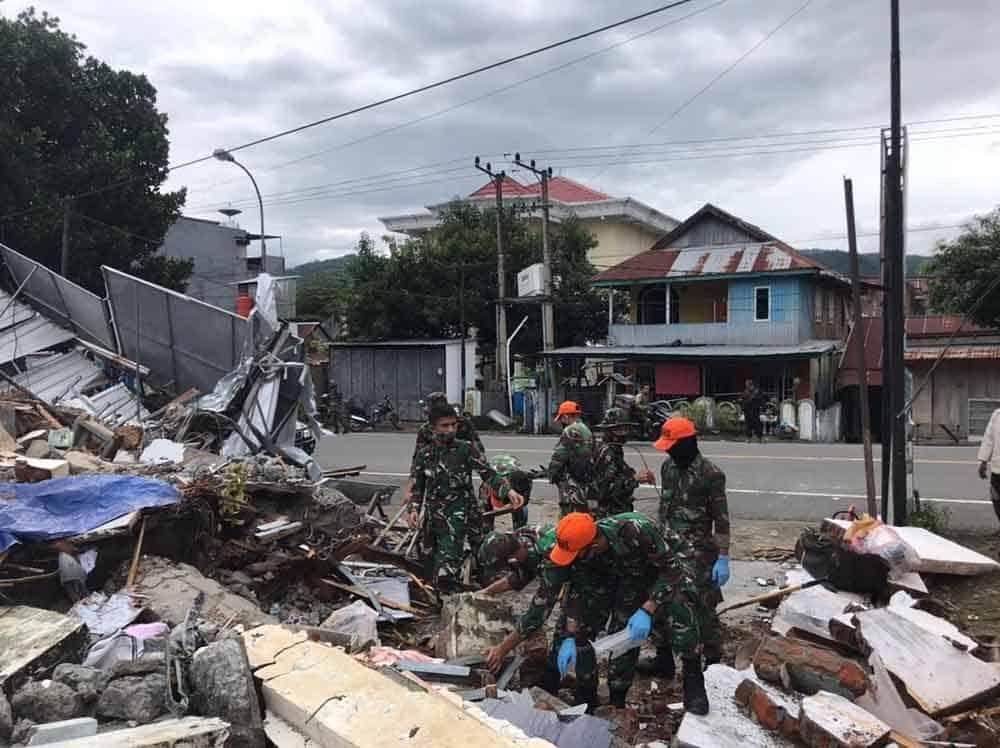 Pasukan Penebalan Penanggulangan Gempa Mamuju Diberangkatkan Danwing Il Paskhas