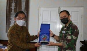 Danlanud Dhomber Menerima Kunjungan Kepala Perwakilan Bank Indonesia Balikpapan
