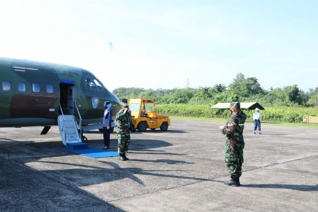 Danlanud Sutan Sjahrir Sambut Kedatangan Asops Panglima TNI