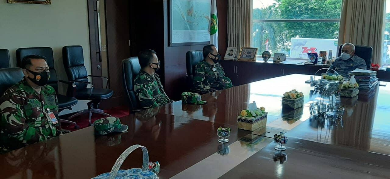 Jalin Silaturahmi, Danlanud Dhomber Kunjungi Gubernur Kaltim